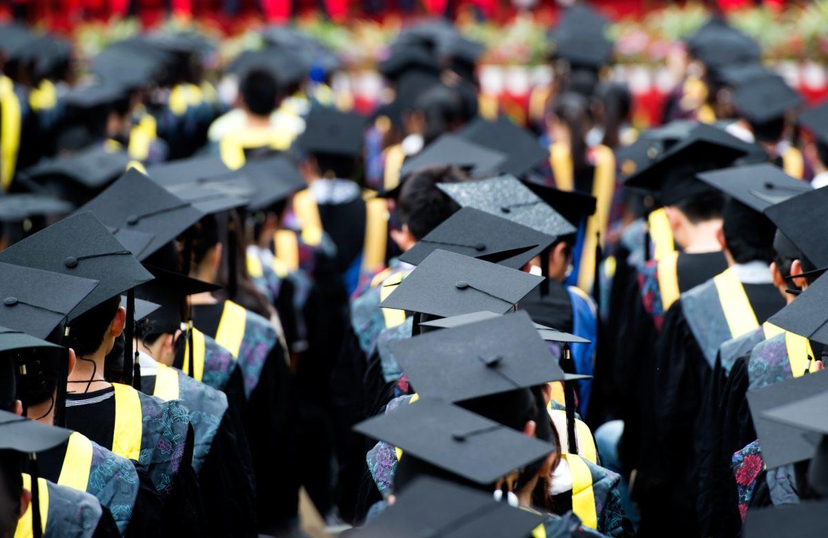 ¡Sin graduación!  El Covid destruye la ilusión de  estudiantes y padres