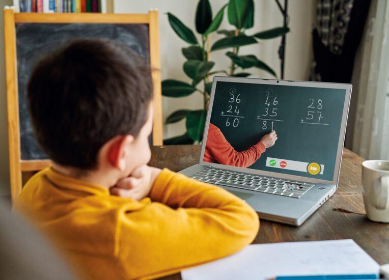 un año escolar virtual que llega sin una guía para padres