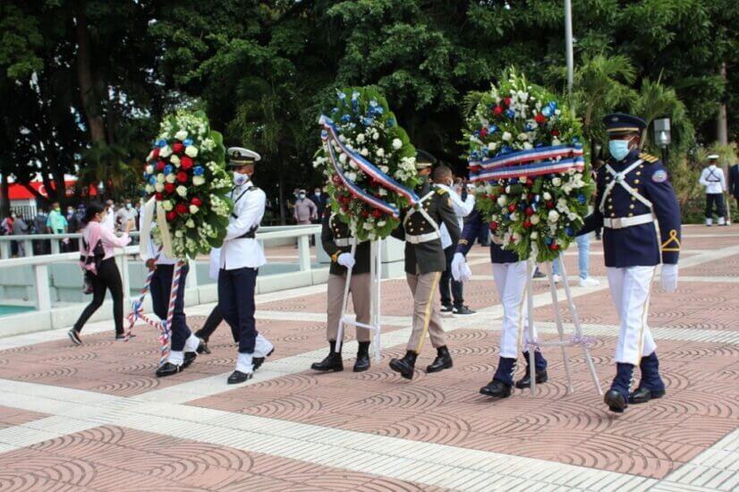 Claves de protocolo en las ofrendas florales a los libertadores