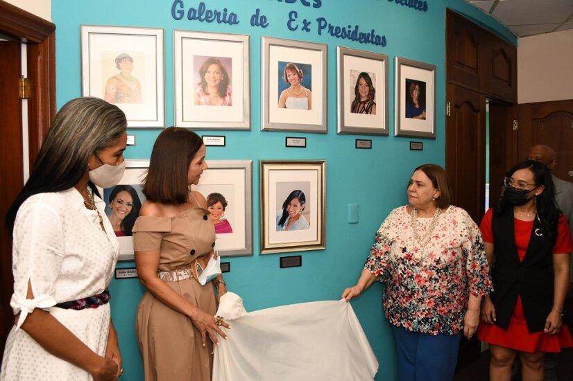 Un homenaje a Rosa Arredondo, expresidente de la ADCS