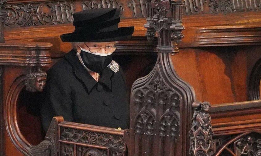 La reina Isabel elige una pieza con historia para decir adiós a su marido