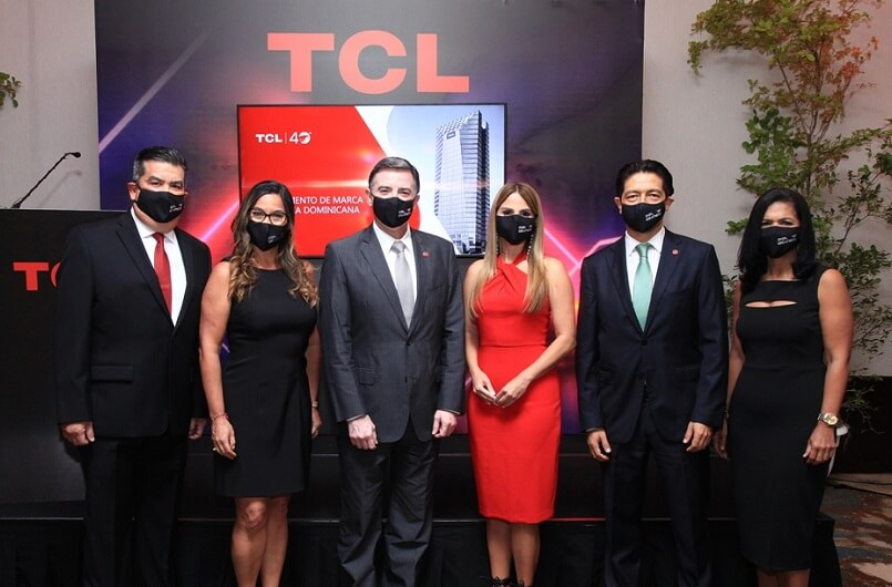 ¡La nueva serie de smartphones TCL 10 ya está disponible!